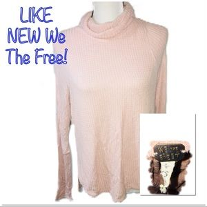 • WE THE FREE   LIKE NEW   Textured Blouse •